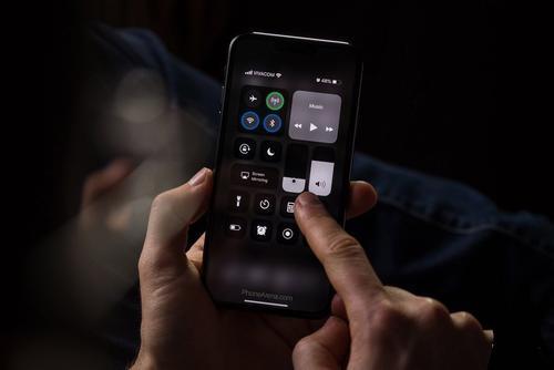 微信变黑色了怎么恢复 微信变黑恢复方法介绍